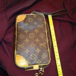 Louis Vuitton~CLUTCH/Wristlet